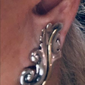 Gucci sterling 925 and 18k gold post earrings.